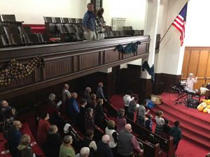 Photo of the congregation.